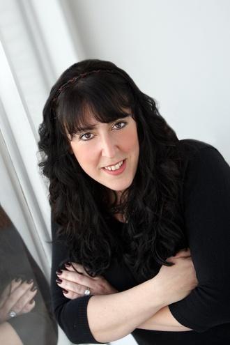 Simone Elkeles