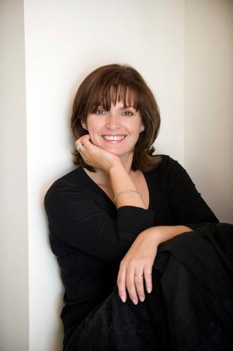 Fiona McIntosh
