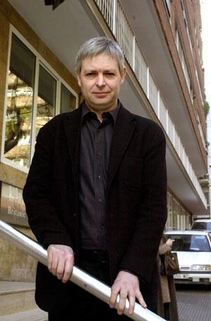 Jonathan Coe