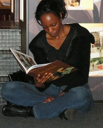 Sylvia Douyé