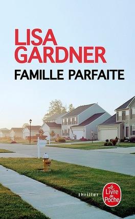 Couverture du livre : Famille parfaite
