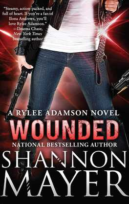 Couverture du livre : Rylee Adamson, Tome 8 : Wounded