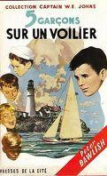 Cinq garçons sur un voilier