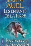 couverture Les Enfants de la Terre, Tome 3 : Les Chasseurs de mammouths