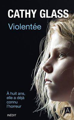 Couverture du livre : Violentée
