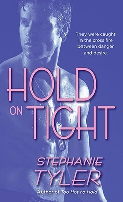 Couverture du livre : Hold Trilogy, Tome 3 : Hold on Tight