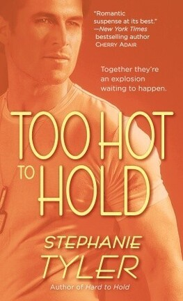 Couverture du livre : Hold Trilogy, Tome 2 : Too Hot to Hold
