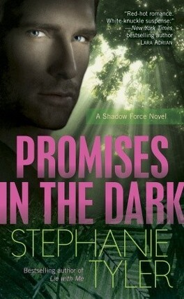 Couverture du livre : Shadow Force, Tome 2 : Promises in the Dark