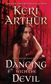 Couverture du livre : Nikki & Michael, Tome 1 : Dancing with the Devil