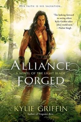 Couverture du livre : The Light Blade, Tome 2 : Alliance Forged