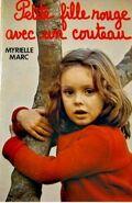 Petite fille rouge avec un couteau