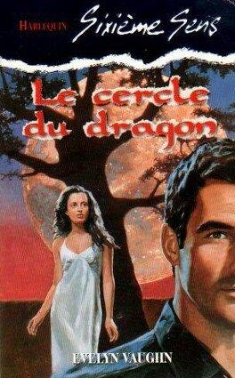 Couverture du livre : Le Cercle Des Sorcières, Tome 4 : Le Cercle Du Dragon