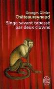 Singe savant tabassé par deux clowns