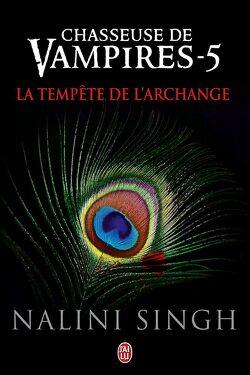 Couverture de Chasseuse de vampires, Tome 5 : La Tempête de l'archange