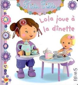 Couverture du livre : Lola joue à la dînette