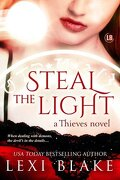 Thieves, Tome 1 : Steal the Light
