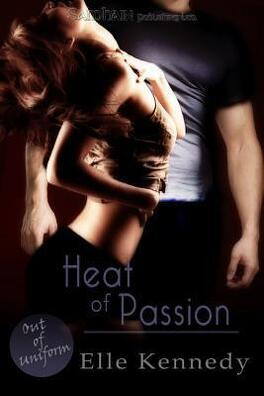 Couverture du livre : Out of Uniform, Tome 2 : Heat of Passion