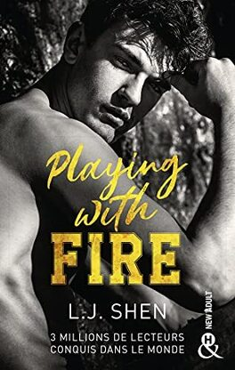 Couverture du livre : Playing With Fire
