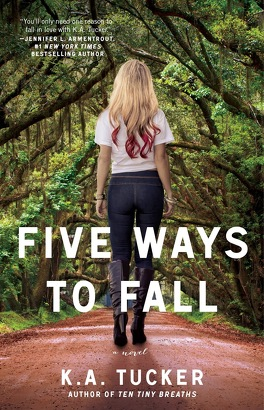 Couverture du livre : Ten Tiny Breaths, Tome 4 : Five Ways to Fall