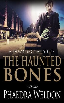 Couverture du livre : The Devan McNally Files, Tome 1 : The Haunted Bones