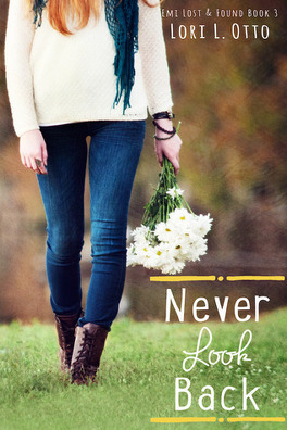Couverture du livre : Emi Lost & Found, Tome 3 : Never Look Back