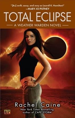Couverture du livre : Les Gardiens des Éléments, Tome 9 : Total Eclipse