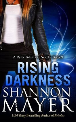 Couverture du livre : Rylee Adamson, Tome 9 : Rising Darkness
