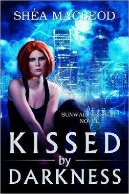 Couverture du livre : Sunwalker saga, Tome 1: Kissed by Darkness