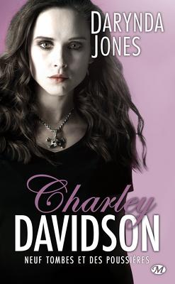 Couverture de Charley Davidson, Tome 9 : Neuf tombes et des poussières