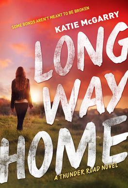 Couverture du livre : Thunder Road, tome 3: Long way home