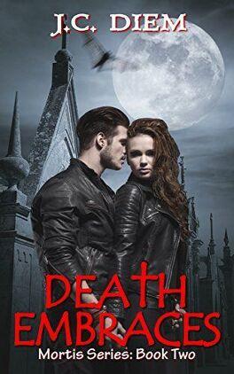 Couverture du livre : Mortis Series, Tome 2 : Death Embraces