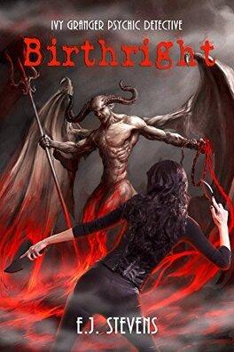 Couverture du livre : Ivy Granger, Psychic Detective, Tome 4: Birthright